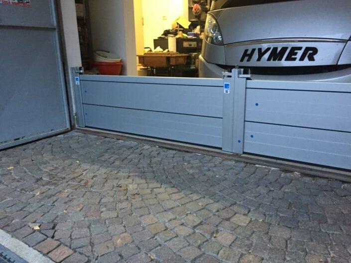 Montaggio paratia Tetris in garage