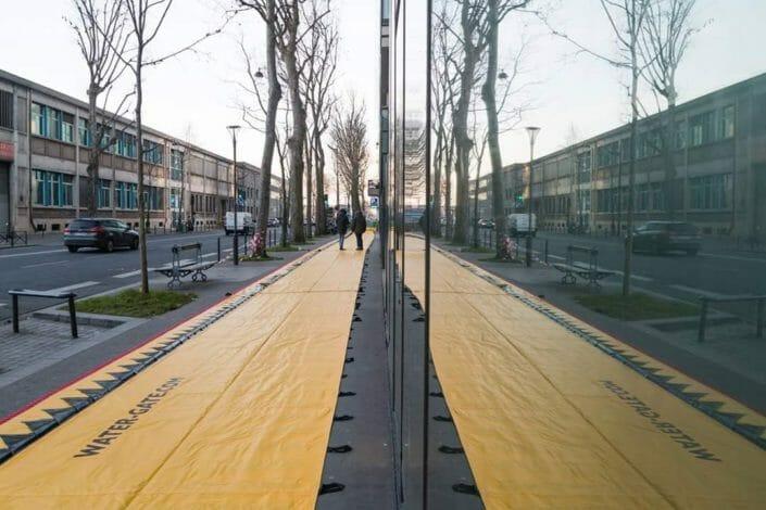 Barriera autoportante per alluvioni