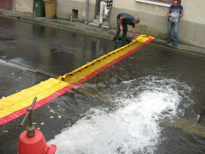 Bloccare l'acqua in strada con Water Gate